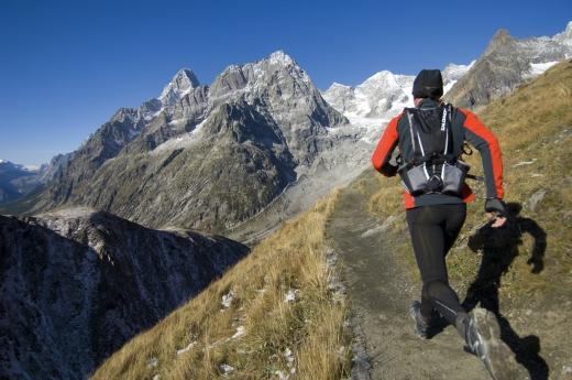 Salomon Trail Running Kollektion für Männer – Laufen bei Wind und Wetter, damit eine Leidenschaft nie wetterabhängig ist