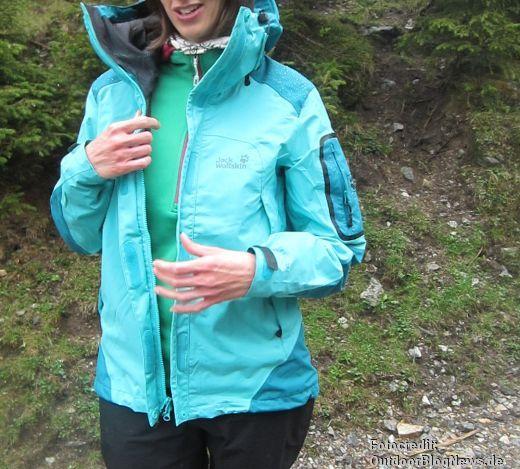 Patagonia Women's Piton Pullover in den Zillertaler Alpen auf Bergtouren unter einer Hardshell getestet