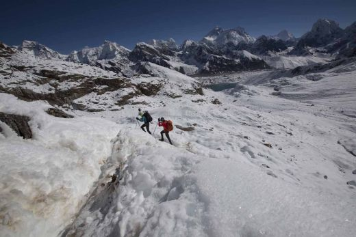 Philippe and Anna on day 32 - crossing Renjo La - Fotocredit: Berghaus