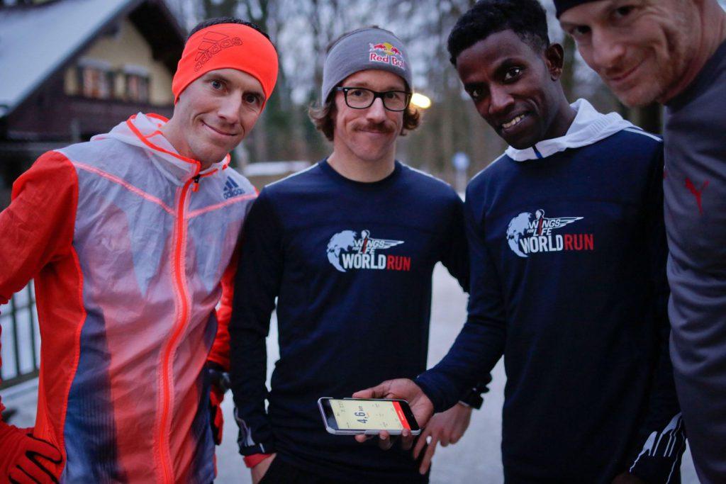 Wings for Life World Run_App_Lemawork Ketema, Florian Neuschwander (v.li...